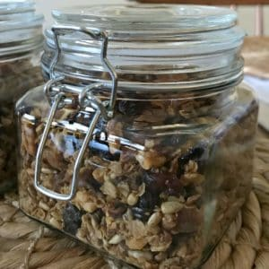 granola as neighbor Christmas gift